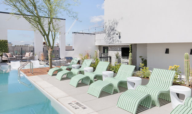 Rooftop Pool & Lounge